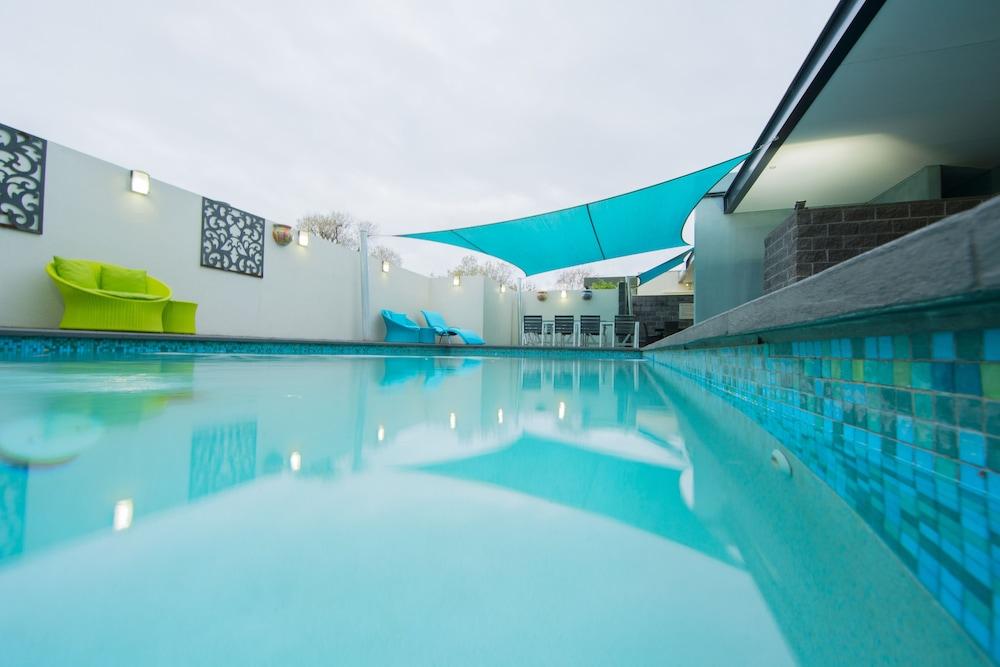 퀘스트 플레밍턴(Quest Flemington) Hotel Image 30 - Outdoor Pool