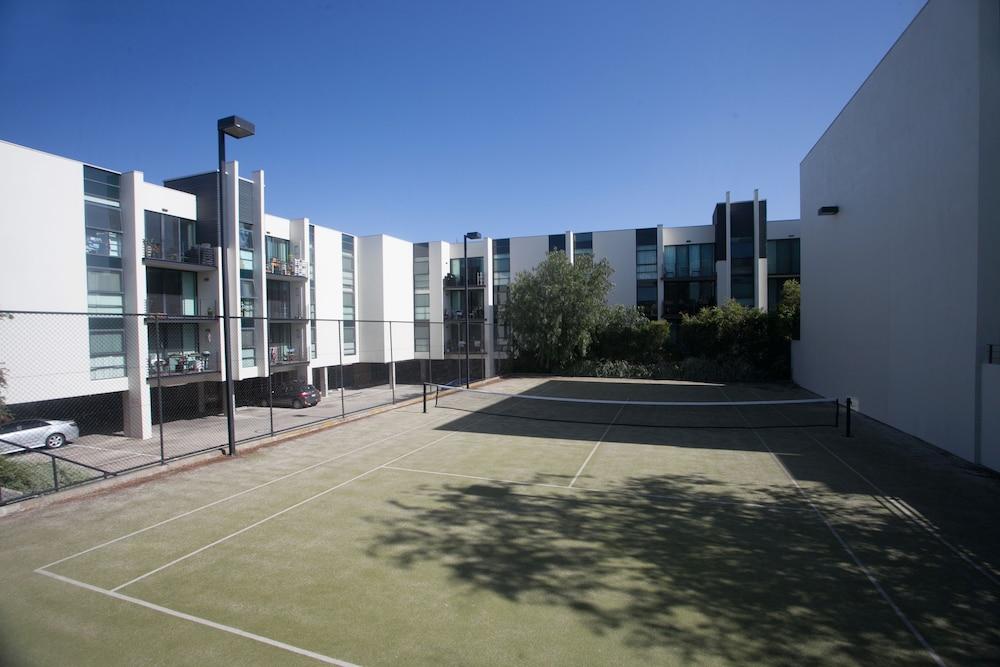퀘스트 플레밍턴(Quest Flemington) Hotel Image 31 - Tennis Court
