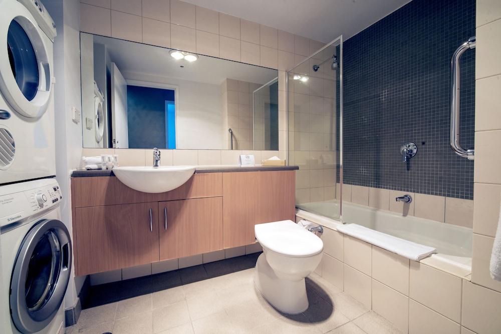 퀘스트 플레밍턴(Quest Flemington) Hotel Image 29 - Bathroom