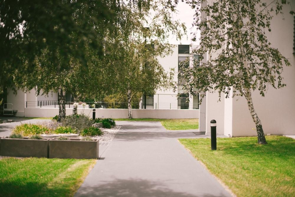퀘스트 플레밍턴(Quest Flemington) Hotel Image 37 - Property Grounds