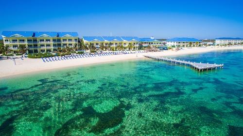 Wyndham Reef Resort Grand Cayman | JetBlue Vacations