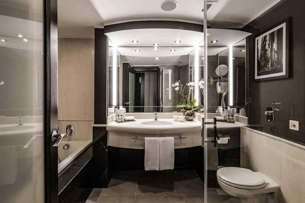 https://i.travelapi.com/hotels/1000000/490000/481600/481565/191c66f6_z.jpg
