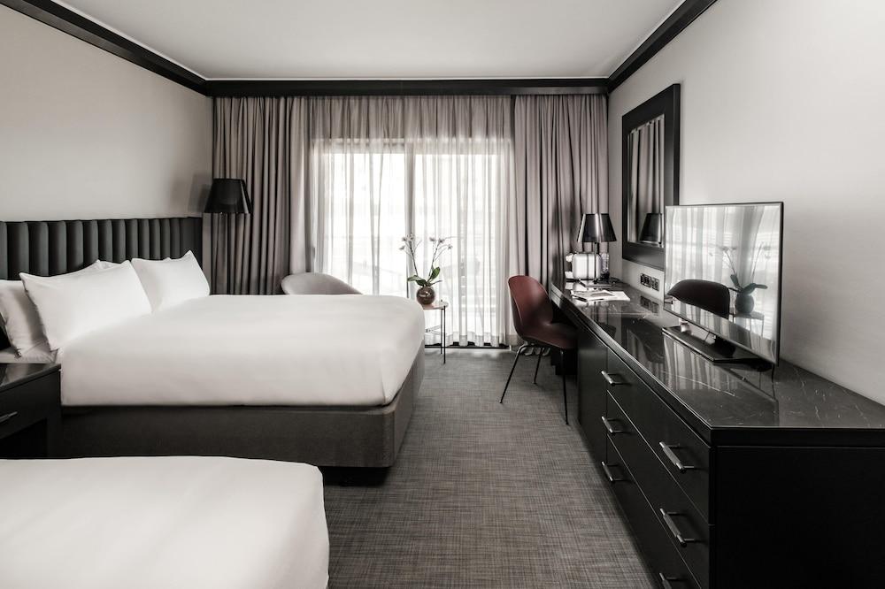 https://i.travelapi.com/hotels/1000000/490000/481600/481565/5eac171c_z.jpg