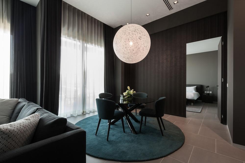 https://i.travelapi.com/hotels/1000000/490000/481600/481565/6229ab15_z.jpg