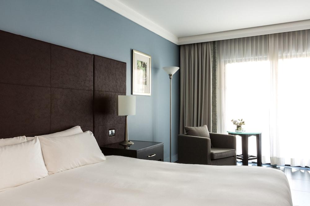 https://i.travelapi.com/hotels/1000000/490000/481600/481565/6e5d1d1f_z.jpg