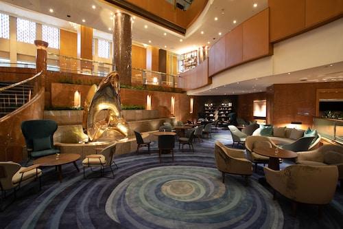 . Yokohama Bay Sheraton Hotel & Towers
