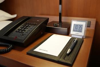 ラグジュアリー ルーム キングベッド 1 台 シティビュー|横浜ベイシェラトン ホテル & タワーズ