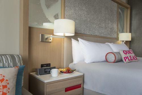 Universal's Hard Rock Hotel  image 31