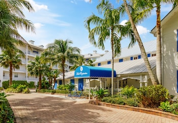 Hotel - Olde Marco Island Inn and Suites