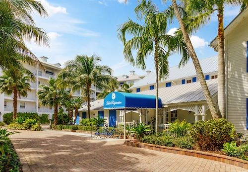. Olde Marco Island Inn and Suites