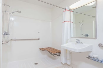 Suite, 1 Queen Bed with Sofa bed, Accessible, Non Smoking (Roll-In Shower)