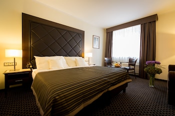 Deluxe Double or Twin Room (with extra bed)