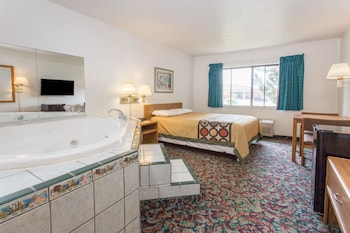 Room, 1 Queen Bed, Non Smoking, Hot Tub