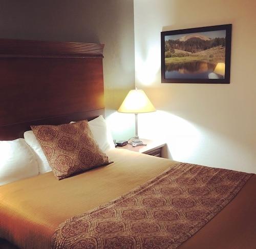 . Jorgenson's Inn & Suites