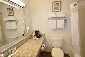 Quality Inn - Bathroom  - #0
