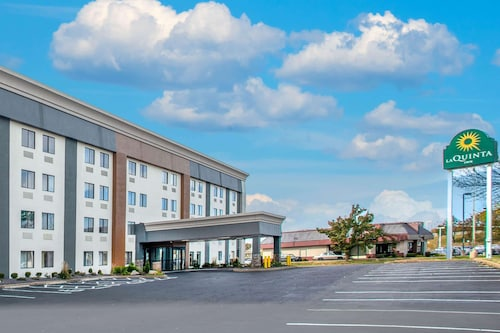. La Quinta Inn by Wyndham St. Louis Hazelwood - Airport North