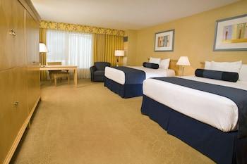 Premier Double Room, 2 Queen Beds (Rendezvous Tower)
