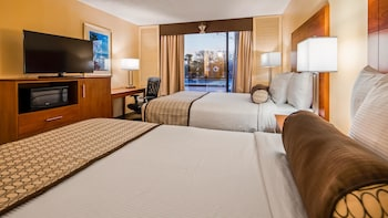 Standard Room, 2 Double Beds, Refrigerator, Poolside