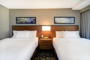 Room, 2 Queen Beds, Accessible (Hearing, In-room air purification)
