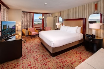 Casino Tower, 1 King Bed, Mountain View Room