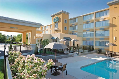 __{offers.Best_flights}__ La Quinta Inn & Suites by Wyndham Manchester