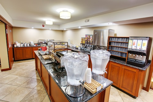 Country Inn & Suites by Radisson, Traverse City, MI, Grand Traverse