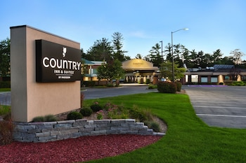 Hotel - Country Inn & Suites by Radisson, Traverse City, MI