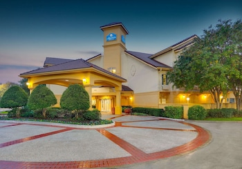 達拉斯艾迪生商業街溫德姆拉昆塔套房飯店 La Quinta Inn & Suites by Wyndham Dallas - Addison Galleria