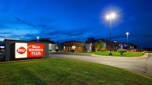 . Best Western Plus Portage Hotel & Suites