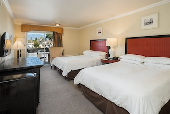 Deluxe Queen Room with Two Queen Beds with Balcony