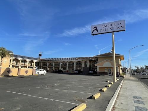 . America's Deluxe Inn