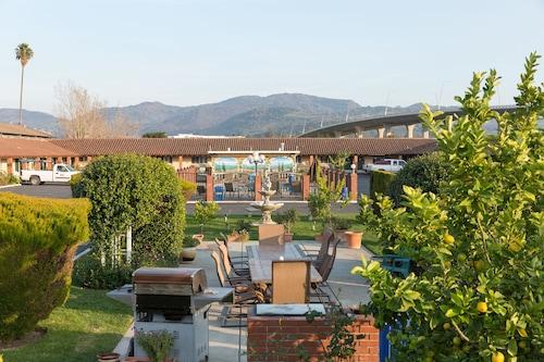 Wine Valley Lodge, Napa