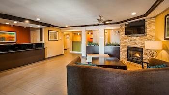貝斯特韋斯特普勒斯特溫套房飯店 Best Western Plus Twin View Inn & Suites