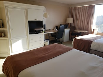 Room, 2 Queen Beds, Non Smoking, Tower