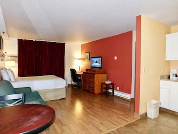 Suite, 2 Queen Beds, Non Smoking, Kitchen