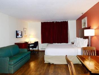 Deluxe Suite, 2 Queen Beds, Non Smoking, Kitchen