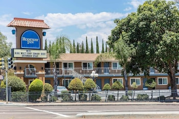 埃斯孔迪多市中心羅德威飯店 Rodeway Inn Escondido Downtown