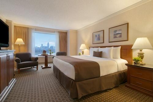 . Harrahs Council Bluffs Hotel & Casino