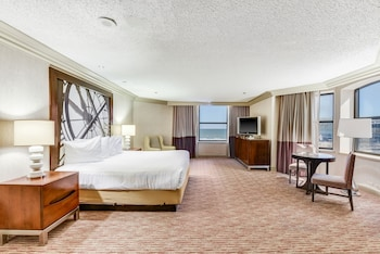 Dennis Tower Executive Suite King