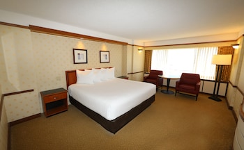 Bally's Tower Deluxe Room, 1 King Bed Non Smoking