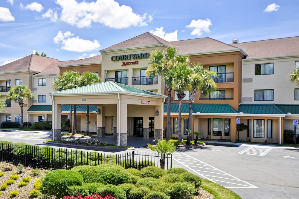 Photo of Courtyard by Marriott Jacksonville Airport hotel in Jacksonville, FL