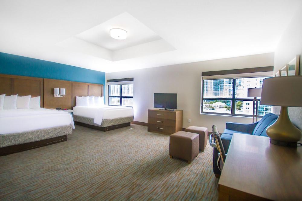 Comfort Inn & Suites Downtown - Port of Miami, Habitación