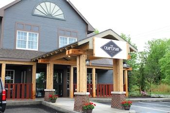 The Craftsman Inn & Suites photo
