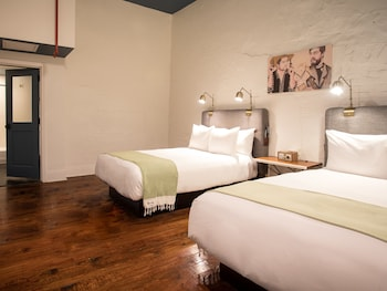 Deluxe Room, 2 Double Beds (Wayfarer)