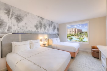 Suite, Multiple Beds, Pool View (Caribe Queen Suite - Pool View)