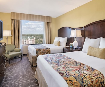 Suite, Multiple Beds (Queen Suite)