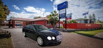 麥誇里湖凱富飯店 Lake Macquarie Motor Inn
