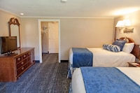 Room, 2 Double Beds, Pool View
