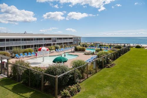 . Riviera Beach Resort