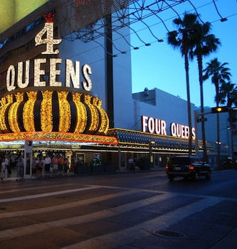 Four Queens Hotel and Casino (No Resort Fee) Image